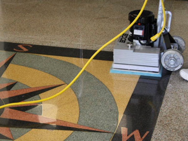 TomCat EDGE for simple diamond polishing of natural stone floors, terrazzo, marble & concrete