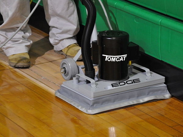 Dust free sanding wood floors with the TomCat EDGE stick machine & dust control unit